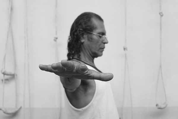 Learn Iyengar Yoga from the Yoga Master Sharat Arora